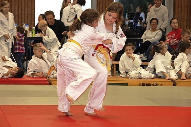 Mit Freude ging es auf die Judomatte