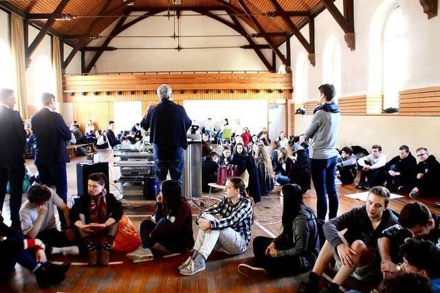 Jugendliche fordern bessere Busverbindungen und mehr Treffpunkte