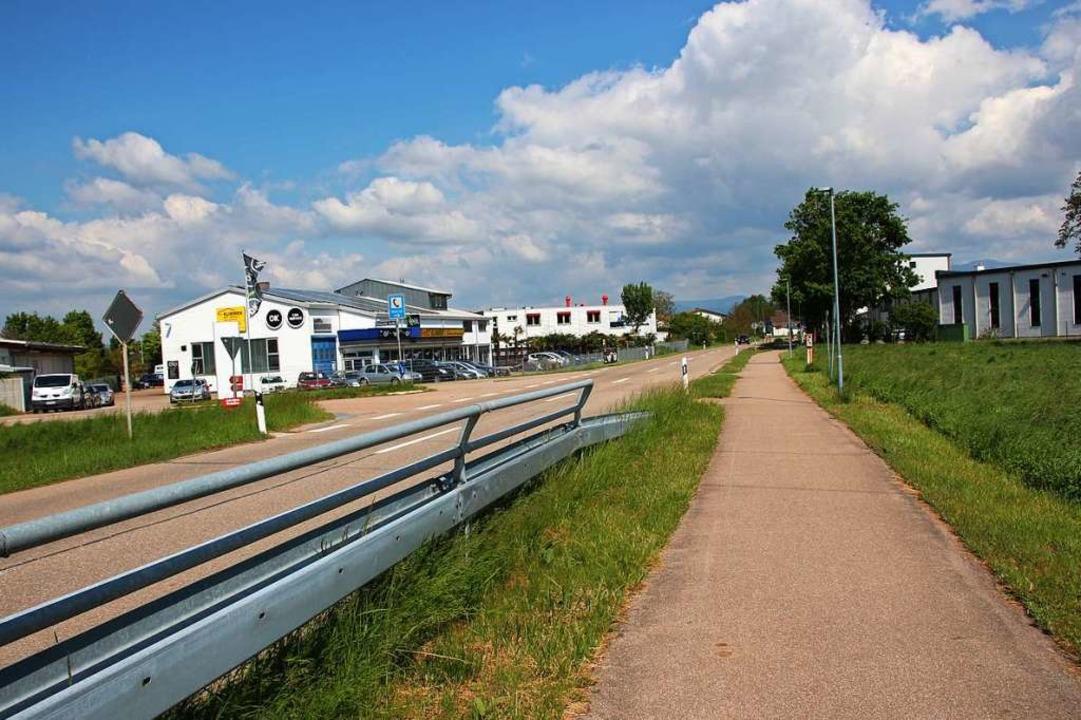 Auf beiden Seiten der Landstraße am Or... hier keine Erweiterung mehr zulässig.  | Foto: Mario Schöneberg