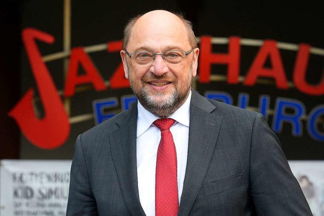 Martin Schulz vor dem Freiburger Jazzhaus  | Foto: Ingo Schneider