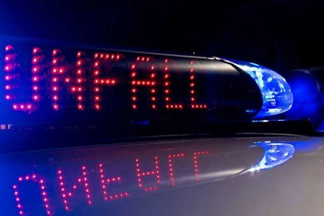 Zwei leicht Verletzte bei Unfall in Küssaberg in einer Kurve