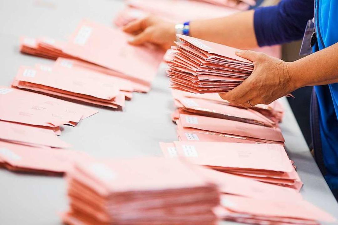 Die Briefwahl birgt den Vorteil, dass ...r Zeit zum Überlegen hat (Symbolbild).  | Foto: dpa