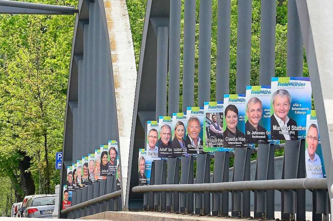 Die Kaiserstuhlbrücke ist komplett von...nd die Freien Wähler vorne mit dabei.   | Foto: Ingo Schneider