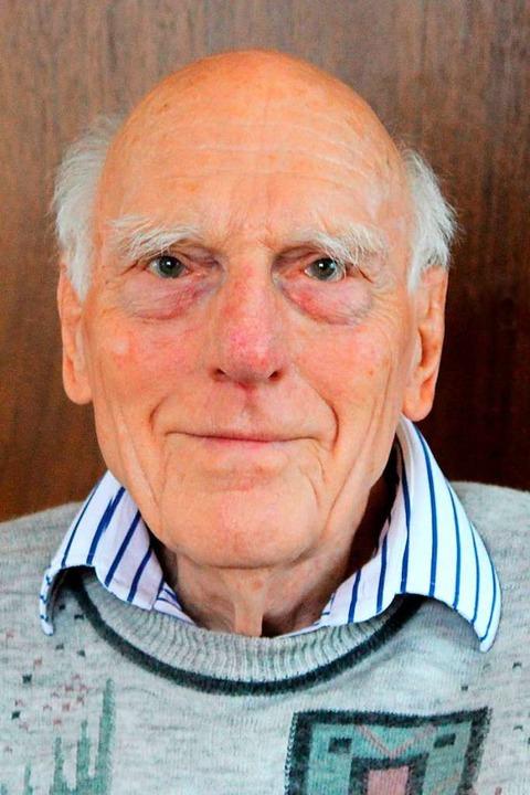 Der 93-jährige Paul Lendle will sich dort mit anderen Wortakrobaten messen.  | Foto: Reinhard Cremer