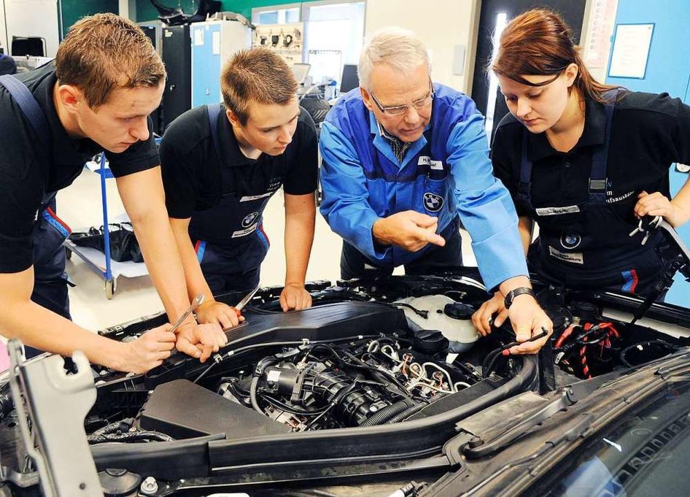 Mechatroniker haben vielfältige Aufgaben. (Symbolbild)  | Foto: dpa