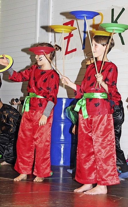 Wenn Schüler zu Artisten werden, gibt ...gten – auf der Bühne und davor.   | Foto: Mario Schöneberg