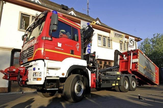 Der Landkreis kauft Feuerwehrfahrzeuge für zwei Millionen Euro