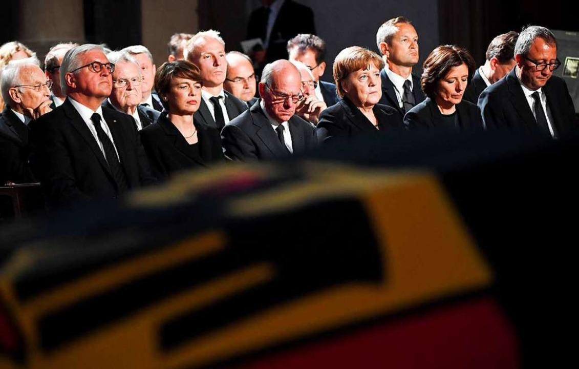 Was ist aus dem Erbe des Konservatismu...7 bei der Trauerfeier für Helmut Kohl.  | Foto: AFP
