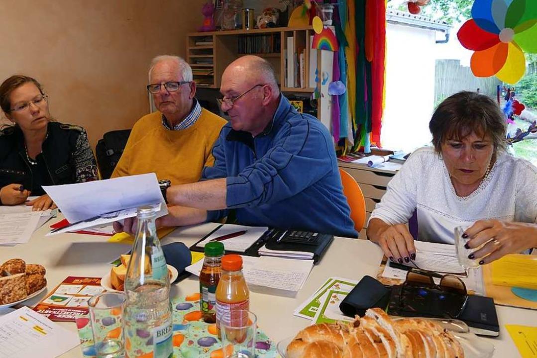 Szene aus dem Beirat: rechts Evelyn Raffler neben Hans-Werner Birkel.  | Foto: Ralf H. Dorweiler