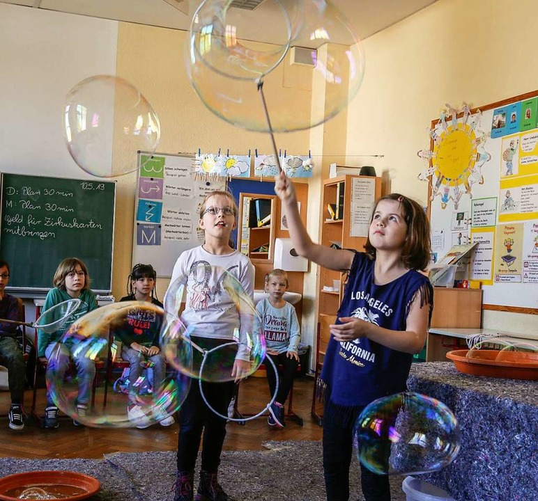 Die Lauge stimmt, die Größe der Blasen...m Freitag nicht mehr viel schiefgehen.  | Foto: Sandra Decoux-Kone
