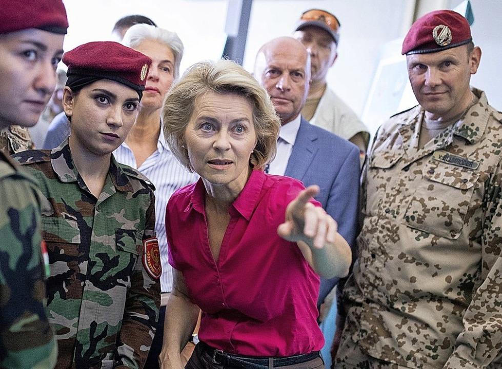 Verteidigungsministerin Ursula von der Leyen 2018 im Nordirak   | Foto: Kay Nietfeld (dpa)