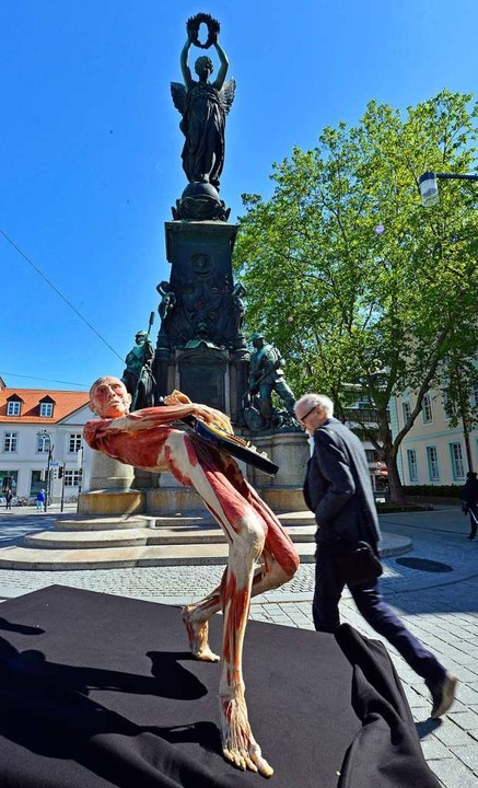 Ein Plastinat wurde auf dem Europaplatz präsentiert.   | Foto: Bamberger/Kunz