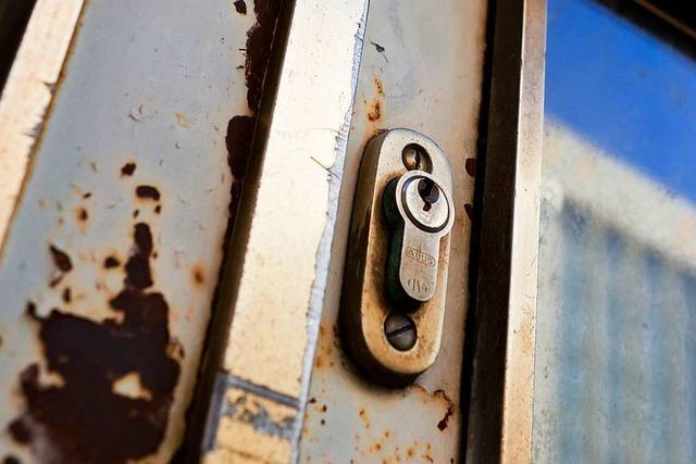 Sollte man nachts die Haustüre abschließen – oder besser nicht?