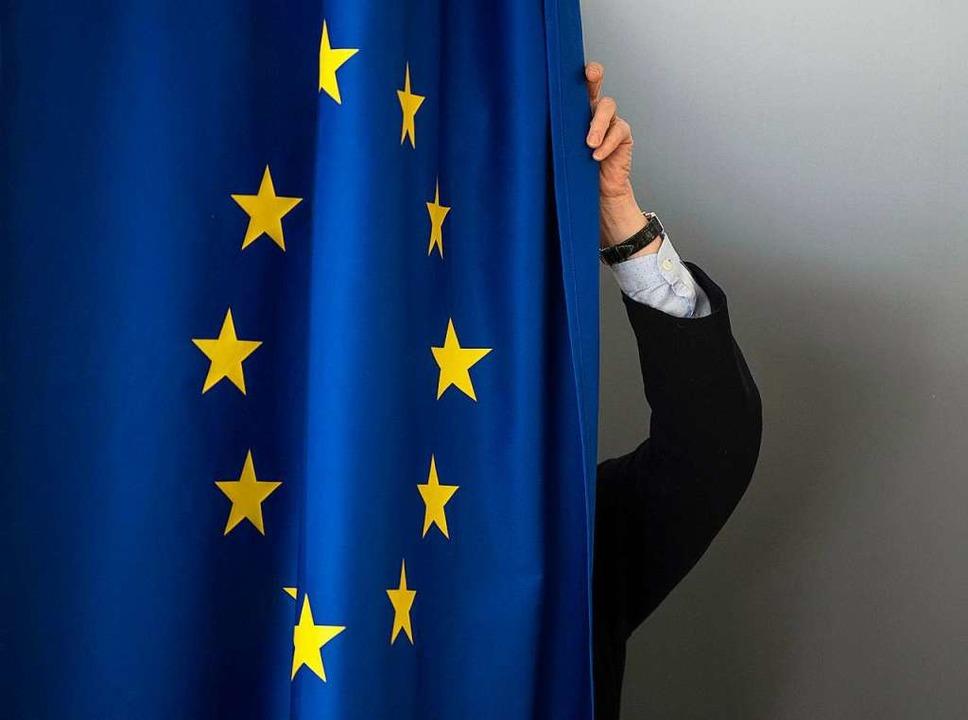 Vorhang auf für eine spannende im ZDF.  | Foto: dpa