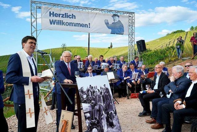 14 Meter-Nachbau des Freiburger Münsterturms wird Denkmal für Franz Burda