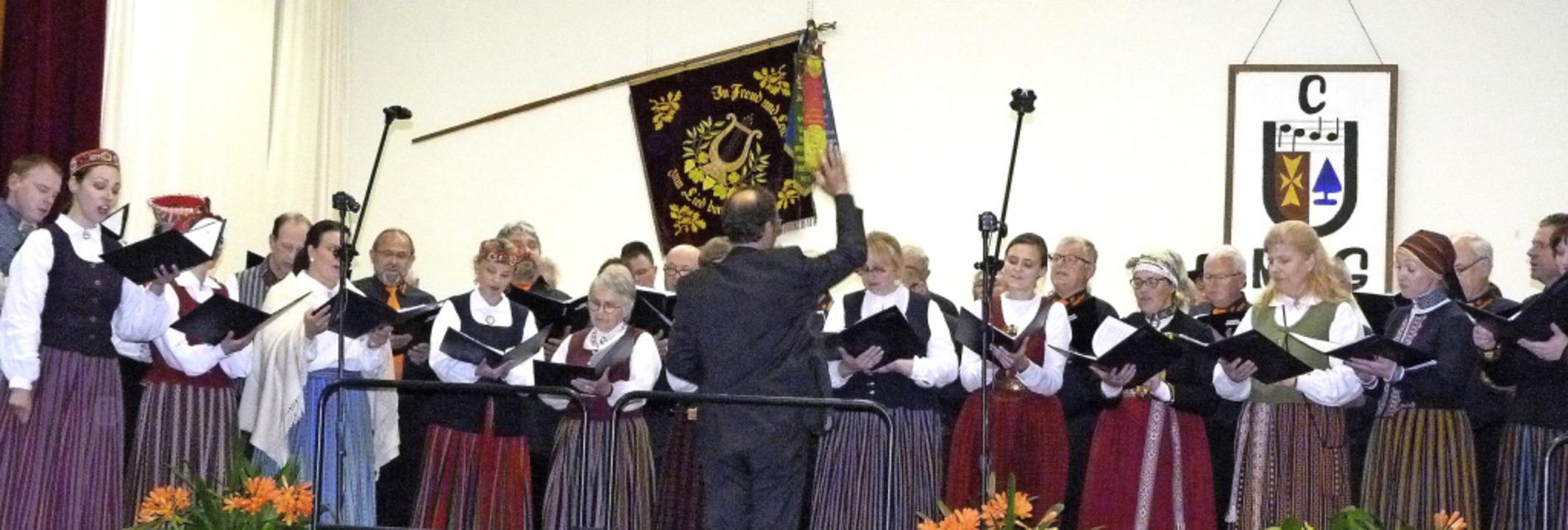 Volksweisen aus Deutschland und Lettla...der Gündlinger Malteserhalle zu hören.  | Foto: Christine Weirich