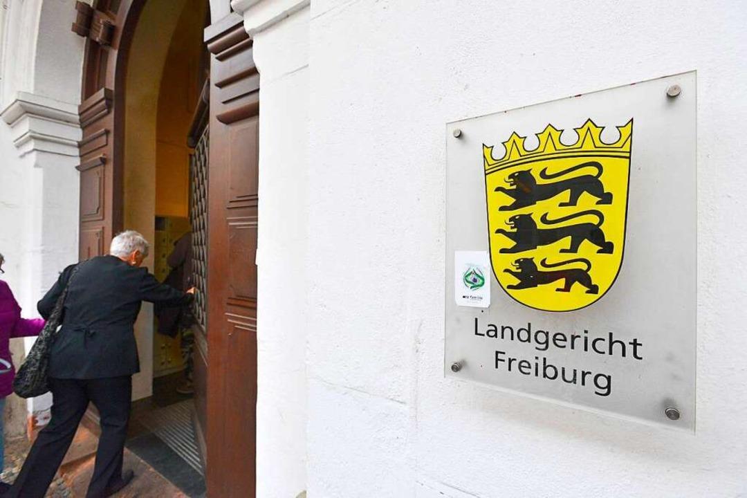 Das Gericht hört weitere Zeugen.  | Foto: Ingo Schneider