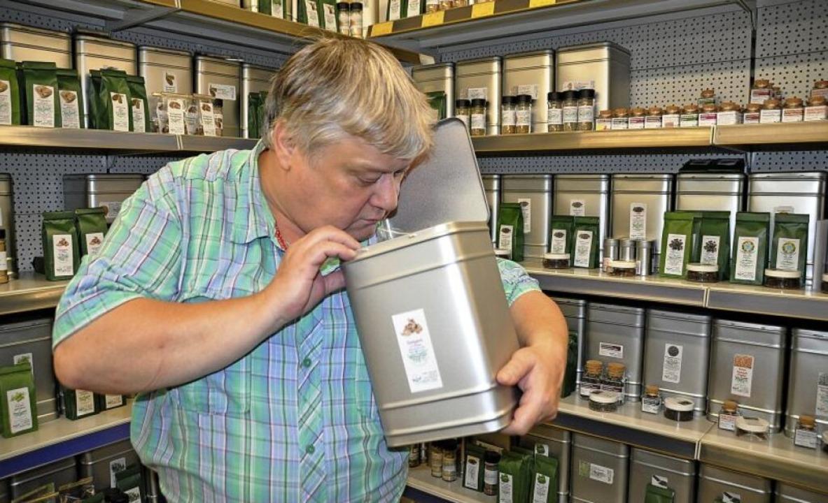 Intensiver Duft: Jürgen Liskowskis hat hunderte Gewürze in seinem Laden.   | Foto: Rainer Ruther