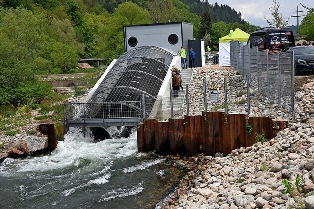 Feierlaune beim neuen Wasserkraftwerk