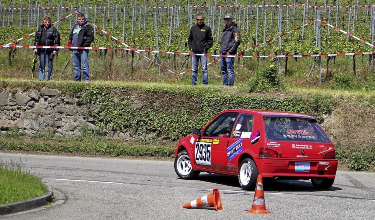 Spannende Rennen bekamen die Zuschauer beim Autoslalom in Achkarren zu sehen.   | Foto: Herbert Trogus