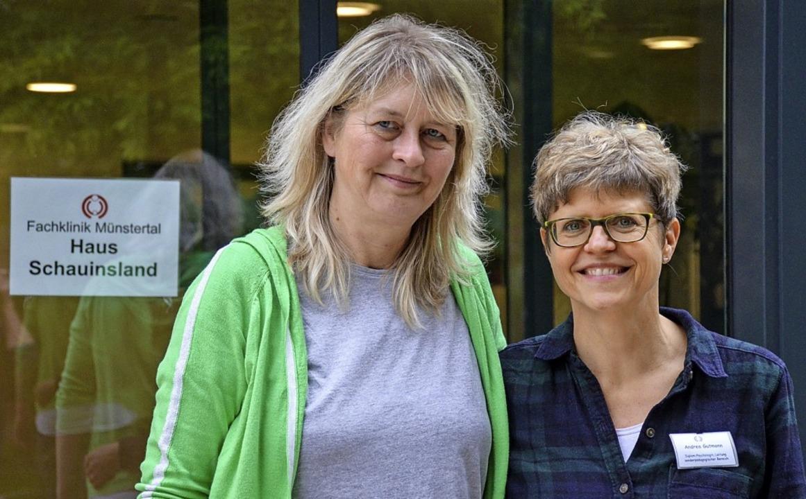Die Klinikleiterin Ruth Bumen (links) ...r Eltern-Kind-Fachklinik in  Staufen    | Foto: Gabriele Hennicke
