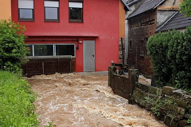 Vorsorge gegen Hochwasserschäden umstritten