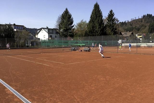 Tennisplatz darf bleiben