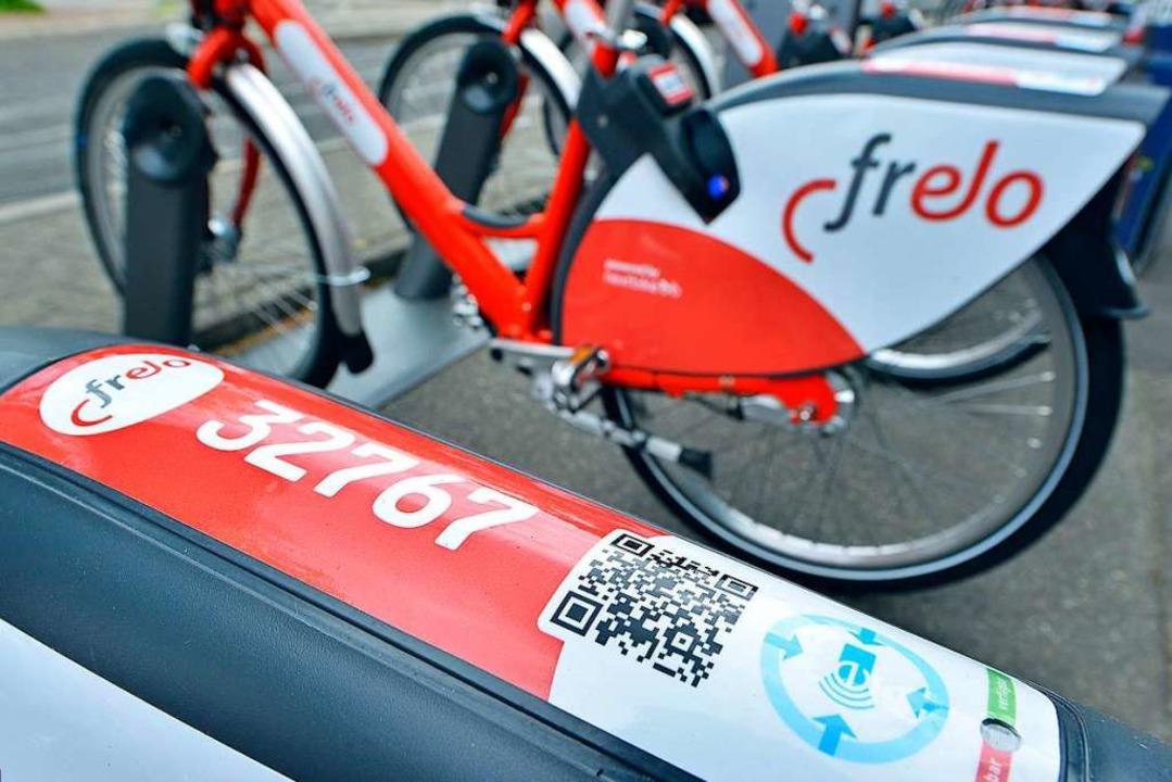 Auf dem Schutzblech der Fahrräder ist ...-Cde angebracht. Den muss man scannen.  | Foto: Michael Bamberger