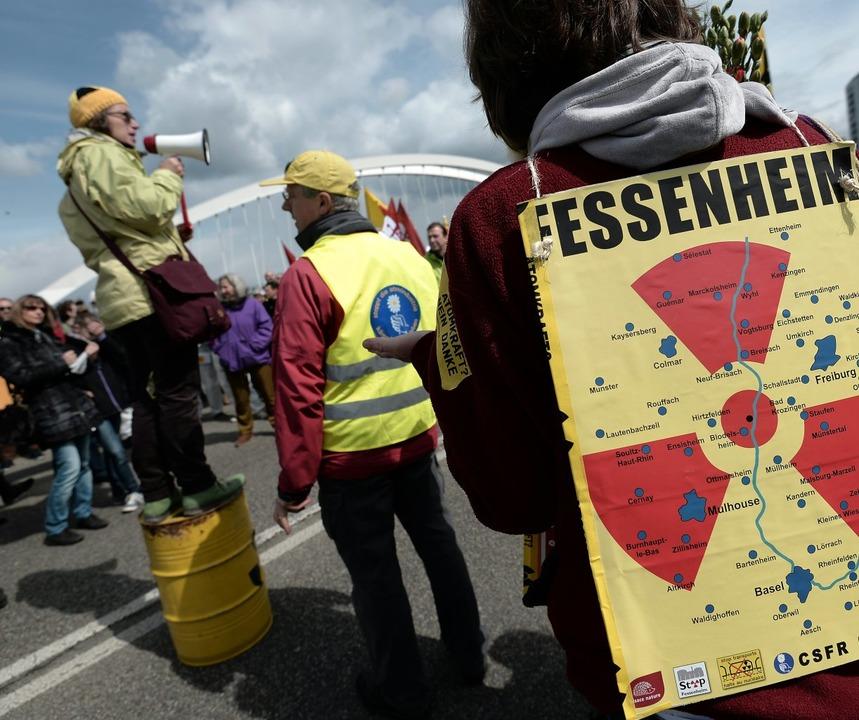 Deutsch-französische Demonstration geg...tastrophe von Tschernobyl im Mai 2016.  | Foto:  AFP
