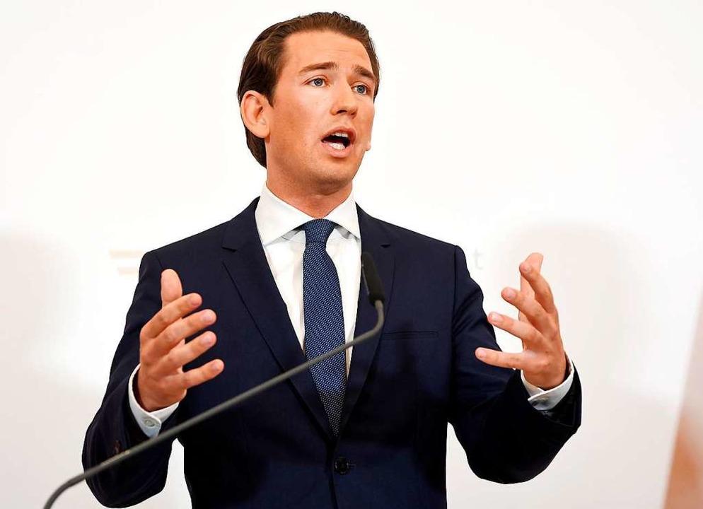 Er habe dem Bundespräsidenten vorgesch...urz bei einer Pressekonferenz in Wien.  | Foto: Roland Schlager (dpa)