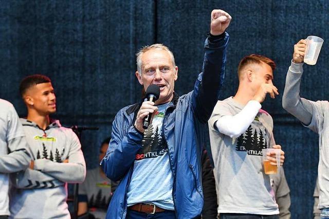 Video: SC-Fans feiern Vincenzo Grifo und Christian Streich