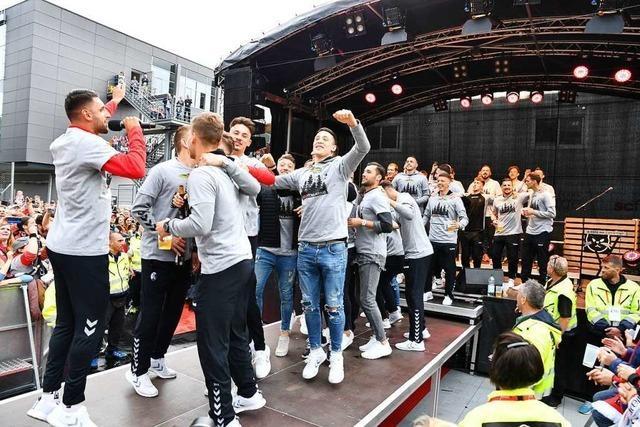 Freiburger Mannschaft bedankt sich bei Fans und freut sich auf Malle