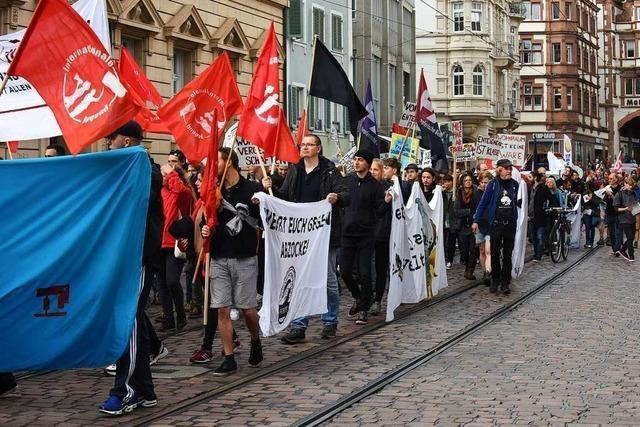 Demonstration in Freiburg mit 350 Teilnehmern sympathisiert mit Enteignung