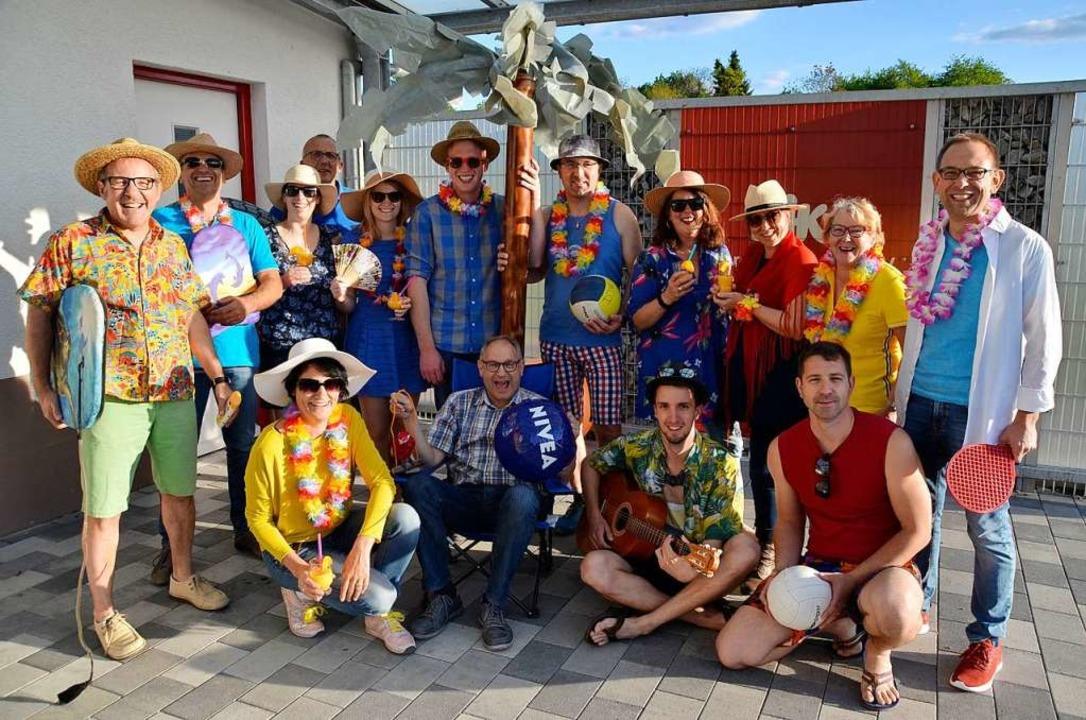 Das Organisationsteam der 24. DJK-Feri...tto schon einmal passend eingekleidet.  | Foto: Barbara Röderer