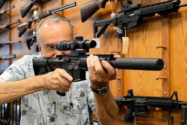 Schweizer stimmen für schärferes Waffengesetz und Steueränderungen