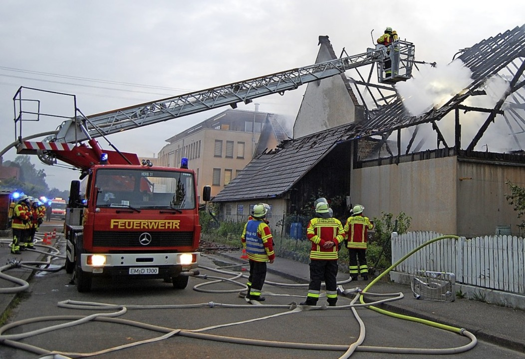 Die Drehleitern aus Herbolzheim und Kenzingen waren im Einsatz.  | Foto: Feuerwehr Herbolzheim