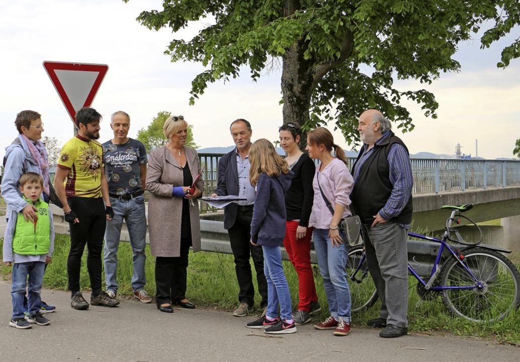 Zum Ortstermin in Sachen Radwegverbind...n Forchheim und Kenzingen eingeladen.   | Foto: Ruth Seitz