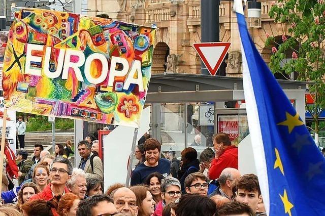 Tausende demonstrieren in Freiburg für ein Europa für Alle