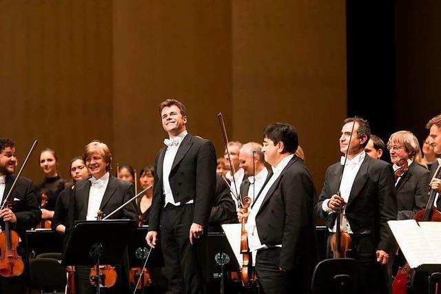 Böhmen liegt in Franken: Jakub Hruša und die Bamberger Symphoniker brillieren mit Smetanas
