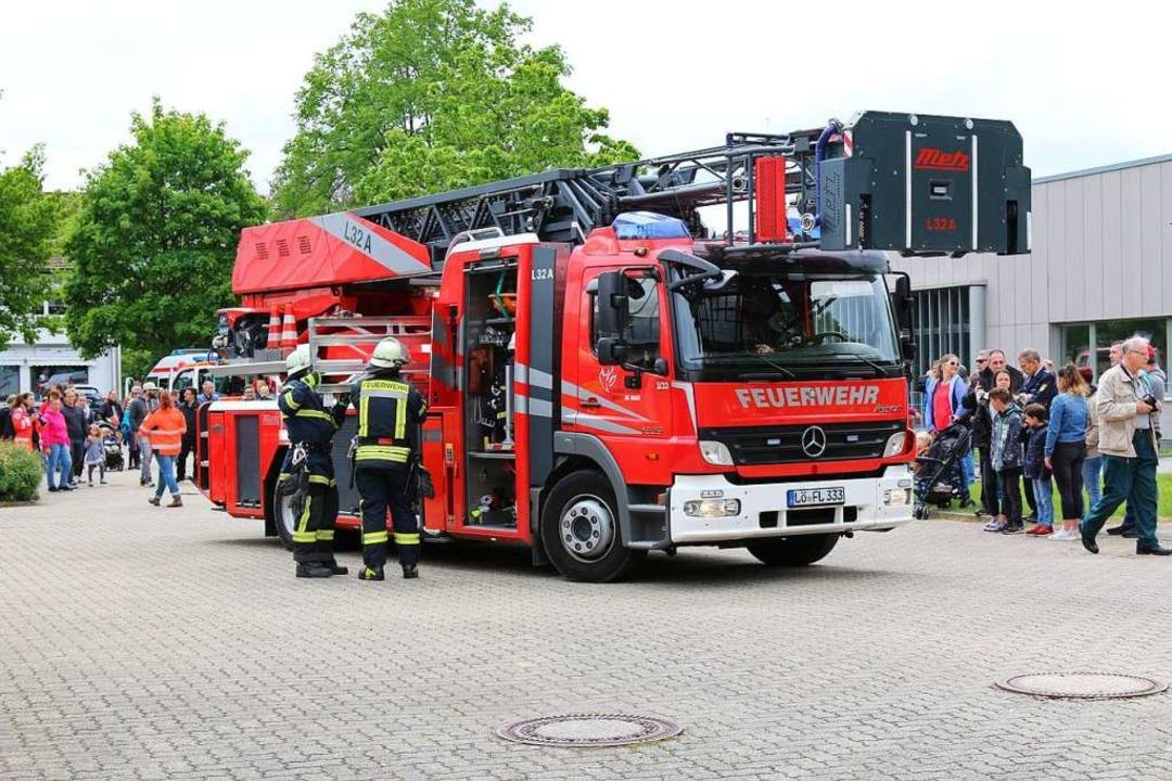 Hinschauen erwünscht: unter Einsatz de...d Feuerwehr einen gemeinsamen Einsatz.  | Foto: Katharina Kubon