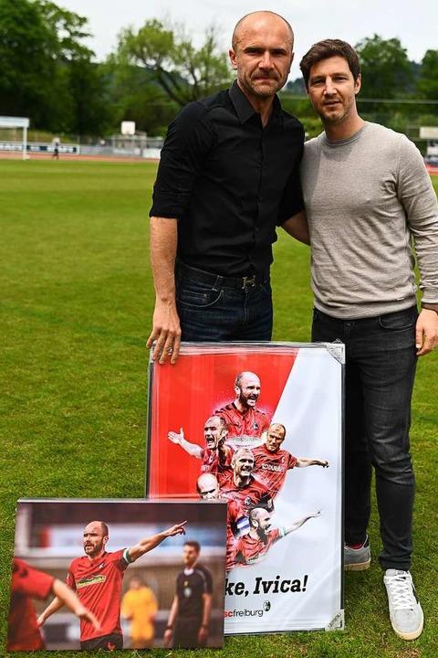 Eine Träne zum Abschied: Ivica Banovic (links) und SC-Sportvorstand Jochen Saier    Foto: Patrick Seeger