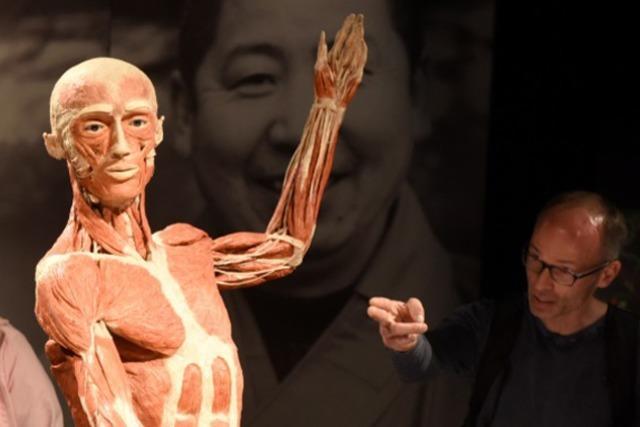 Köperwelten-Ausstellung in Freiburg eröffnet - großer Andrang