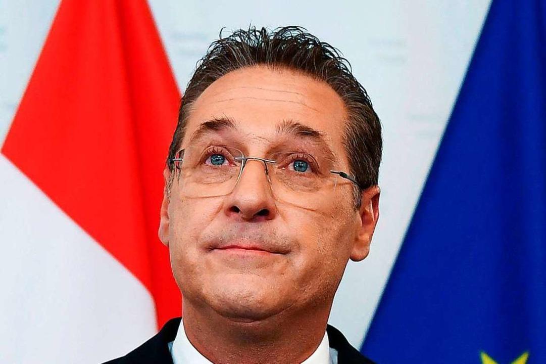 Heinz-Christian Strache verkündet seinen Rücktritt.     Foto: Helmut Fohringer (dpa)