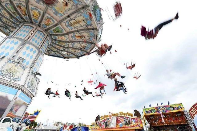 Tausende Jahrmarktfans besuchen am Eröffnungswochenende die Freiburger Frühjahrsmess'