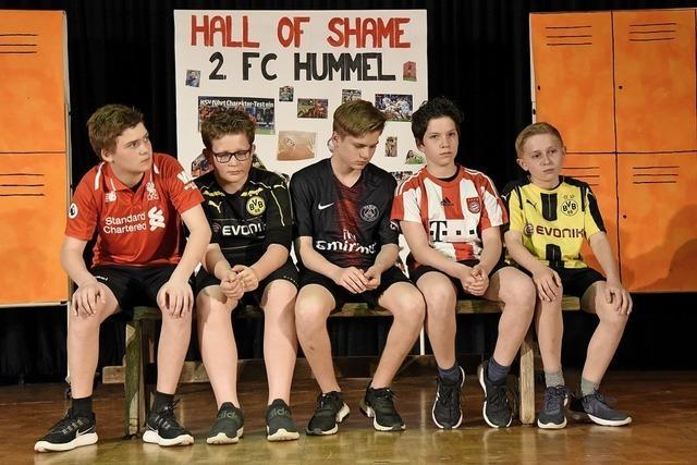 Denzlinger Schüler überzeugen mit Theaterstück über das Scheitern