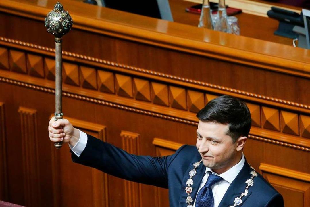 Wladimir Selenski schwingt in Kiew nun das Zepter.  | Foto: Efrem Lukatsky (dpa)