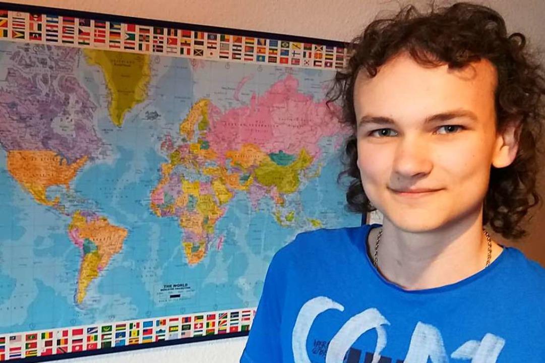 Kennt sich aus mit Karten: der 16-jährige Matthias Brutzer.  | Foto: Andrea Steinhart