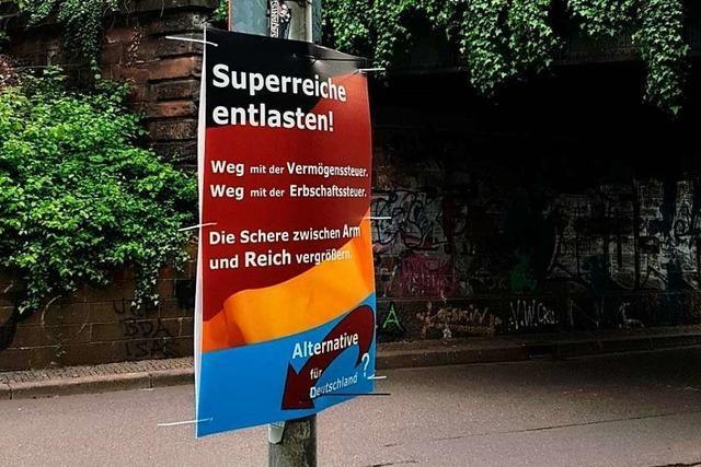 Linke Gruppierung verbreitet gefälschte AfD-Plakate in Freiburg