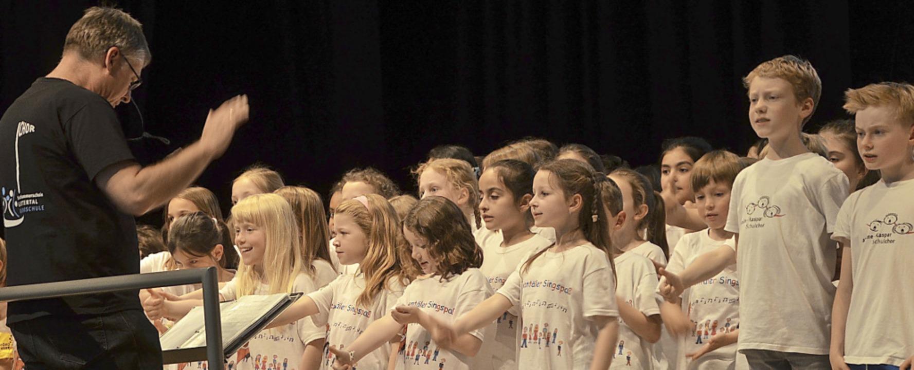 Singen verbindet – in diesem Fall drei Kinderchöre in Merzhausen.     Foto: Michael Maier