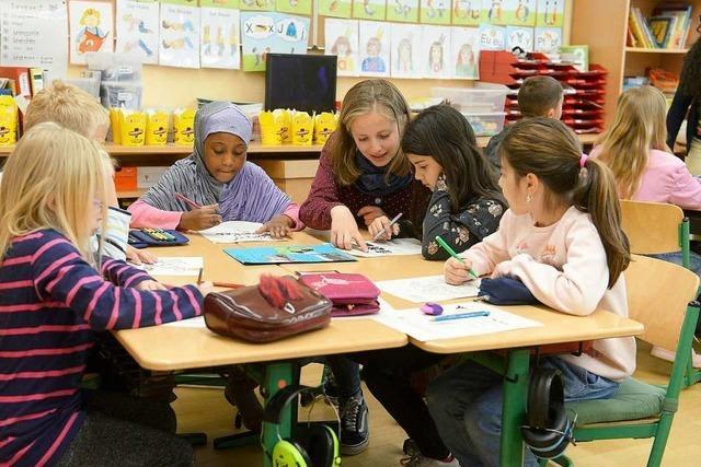 Austauschstudierende erzählen Freiburger Schulklassen von ihrer Heimat